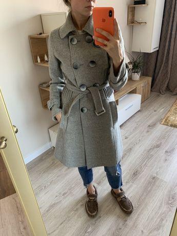 Пальто серое,шерстяное