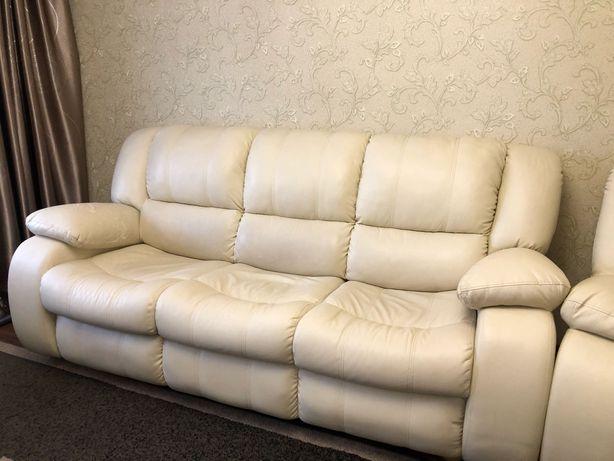 Диван,кресло б/у