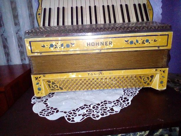Продам Аккордеон Hohner tango 3