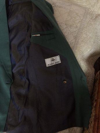 Garnitur firmy Sunset Suits