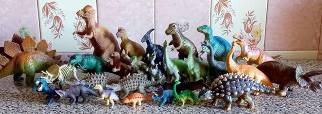Большой набор динозавров