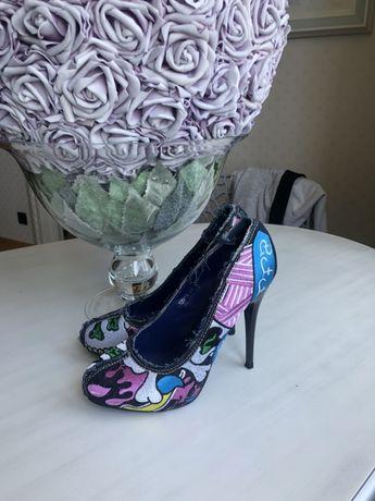 Туфли Basic на высоком каблуке