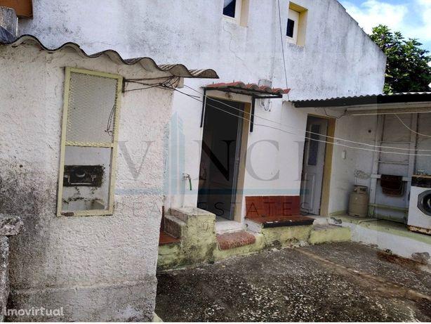 Moradia Para Remodelar No Sossego Do Campo
