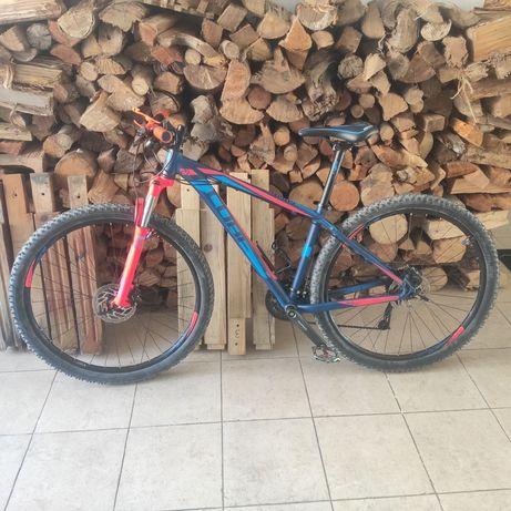 Bicicleta btt cube analog roda 29 impecável