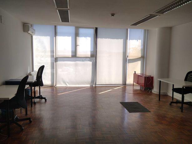Aluga-se escritório em Maximinos Braga