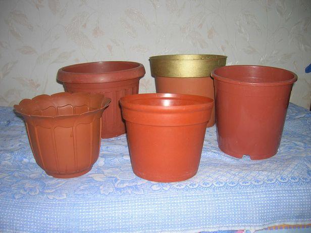 Вазоны пластиковые импортные  4-7литров под крупные цветы или деревья
