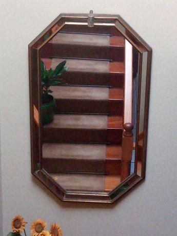 Espelho de dimensões 140x80cm com linda moldura espelhada