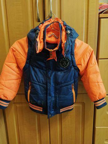 Куртка-жилетка осенняя детская с капюшоном, на рост 110 см, 3-5 года