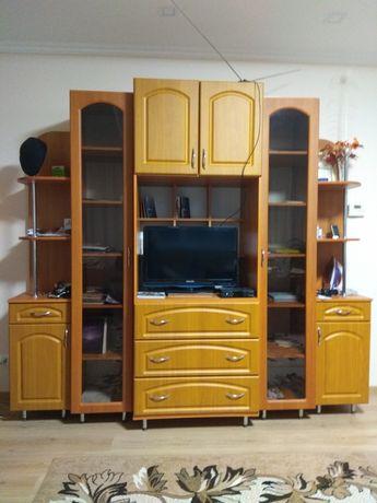 Продам мебельну стінку для вітальні