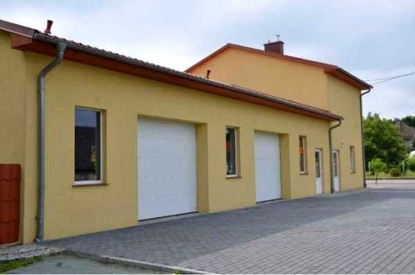 Zlokalizowany blisko centrum obiekt magazynowo - biurowo - mieszkalny