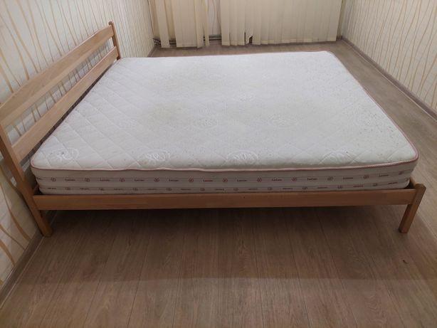 Двухспальная кровать с ортопедическим матрасом