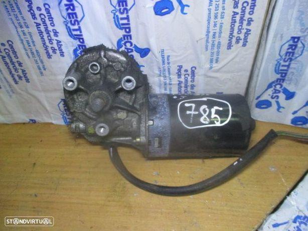 Motor limpa vidros frente F006B20050 CITROEN / XSARA PICASSO / 2005 / bosch /