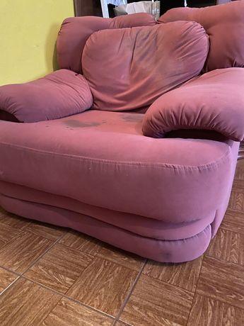 Vendo dois sofas individuais