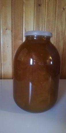 Продам або обміняю на цукор справжній карпатський мед.