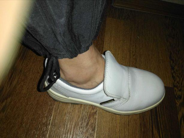 Кроссовки туфли женские белые кожа кожаные 37