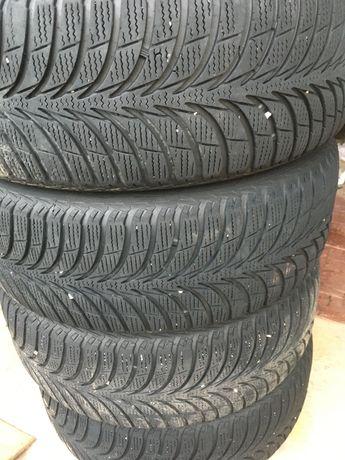 Зимние шины комплект