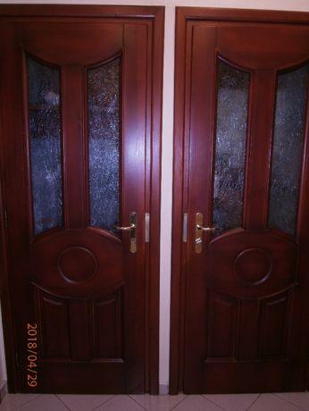 drzwi wewnętrzne z ościeżnicą i klamką