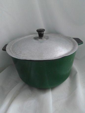 Кастрюлька,чугунок 3-х литровый