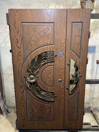 Двері вхідні на вулицю двери на улицу ковка патина с полимерной плиты