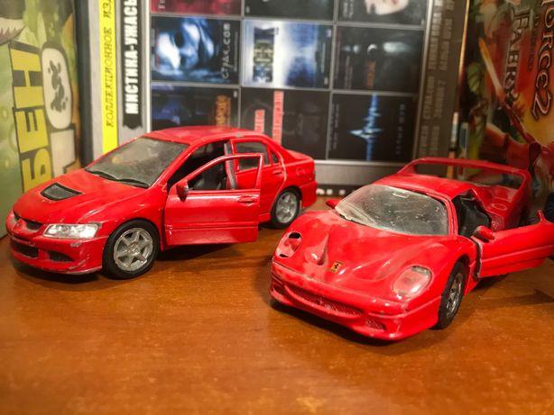 Модели машин Mitsubishi и Ferrari