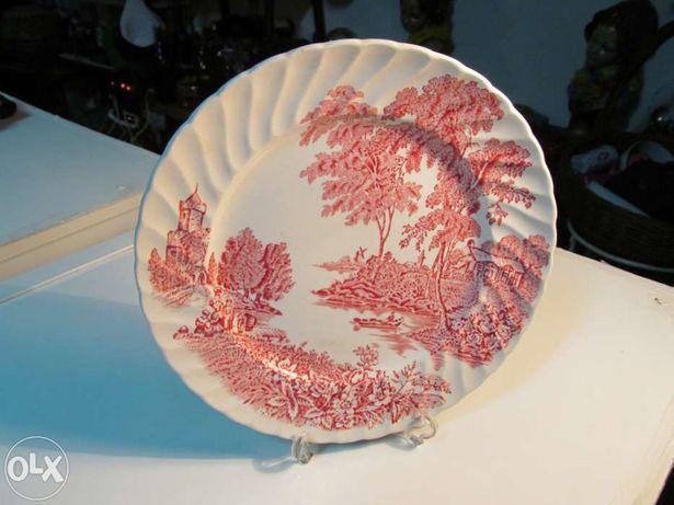 Prato decorativos em porcelana de origem inglesa