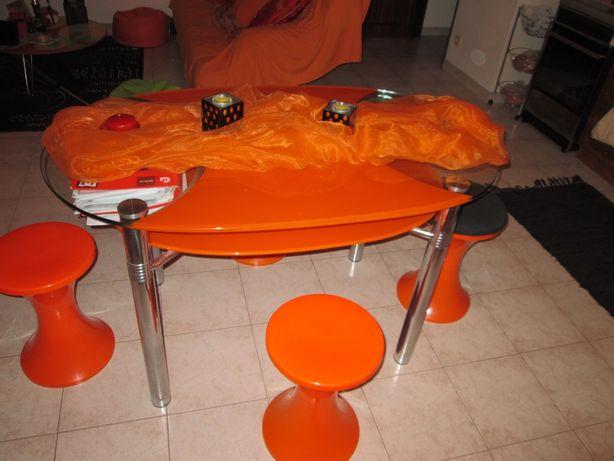 Mesa vidro laranja