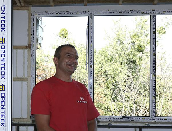 Остекление, обшивка деревом, пластиком и ремонт балкона под ключ