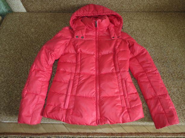 Красная пуховая куртка INCITY