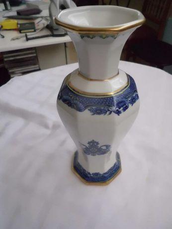 vendo jarra de porcelana bem decorada com 0.23cm alt.