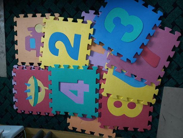 Puzzle piankowe duże i małe