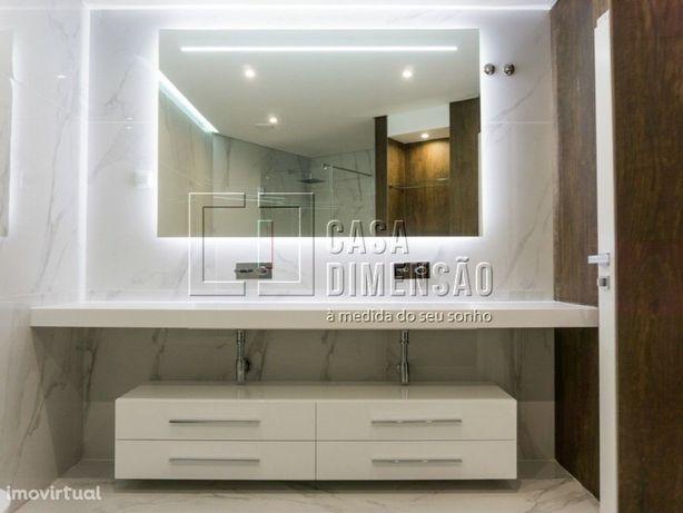 Apartamento de tipologia T2, novo com 134m2, inserido num...