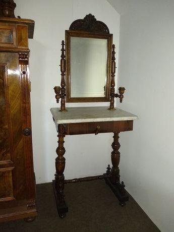 Stara toaletka eklektyczna