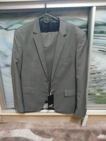 Продам Підлітковий новий костюм