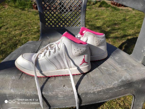 Продам децкие кросовки jordan размер 32