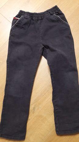 Spodnie chłopięce na gumie rozm.140