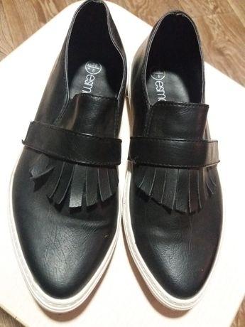 Женские туфли-мокасины