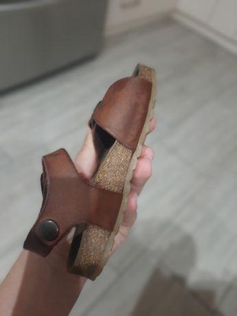 Skórzane sandały rozmiar 22