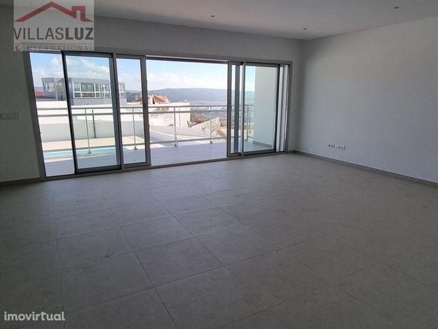 Apartamento T2 - Bloco 3 - Porta nº 3 - com piscina na pr...