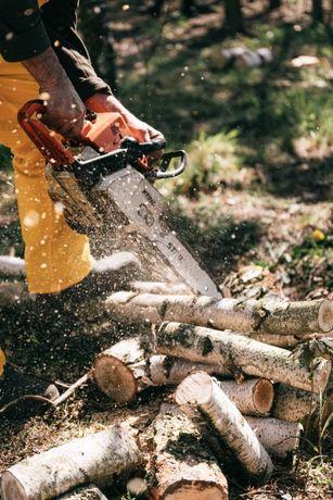 Распил бревен , колка дров.