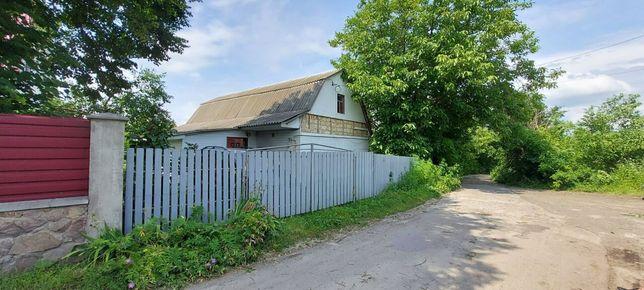 Продається невеличкий будинок в с. Бориси.