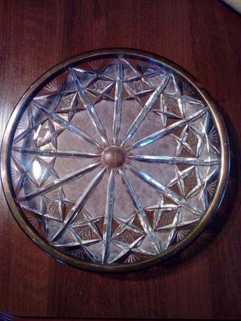 Kryształowa patera z okuciem