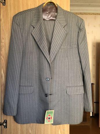 Мужской костюм тройка новый 50 размер рост 170