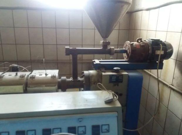 Екструдер экструдер линия для производства уголков для плитки ПВХ