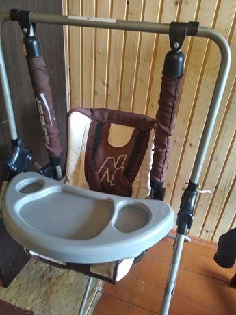 Крісло гойдалка для годування