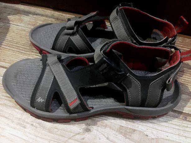 Спортивные босоножки, сандали QUECHUA размер 42, состояние новых