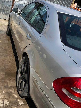 Mercedes Benz E 2.7 Elegance