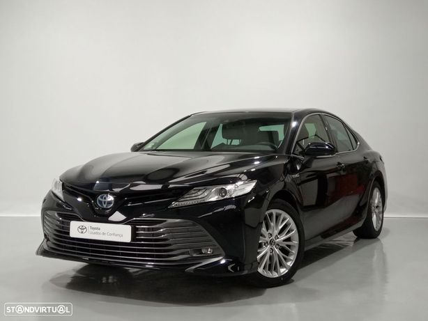 Toyota Camry 2.5 Hybrid Limousine
