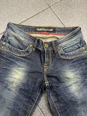 Calça Bus jeans .