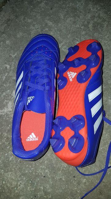 Обувь Adidas спортивная
