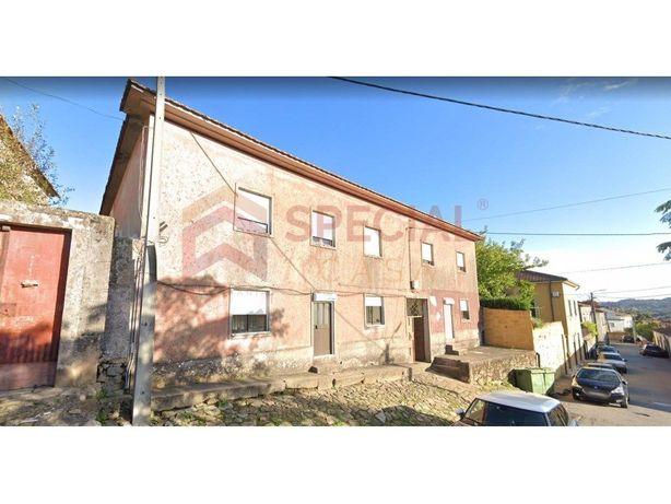 Casa e Terreno para Investimento em Avintes, Vila Nova de...